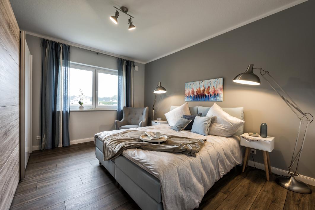 Massivhaus bauen - Bungalow Musterhaus Innenansicht Schlafzimmer - Rotenburg Engellandt Hausbau
