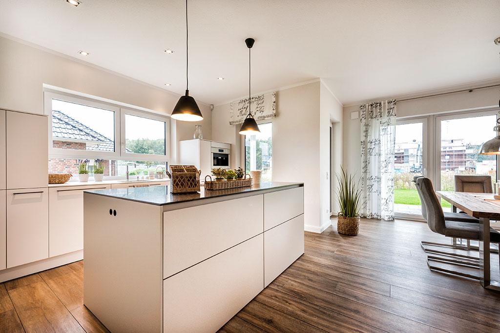 Massivhaus bauen - Bungalow Musterhaus Innenansicht Küche - Rotenburg Engellandt Hausbau